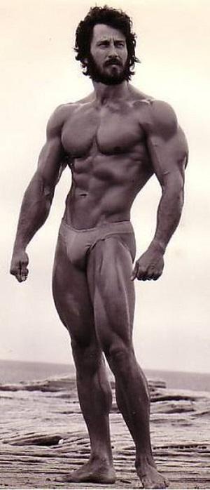 По сколько делать отжиманий в день для роста мышц